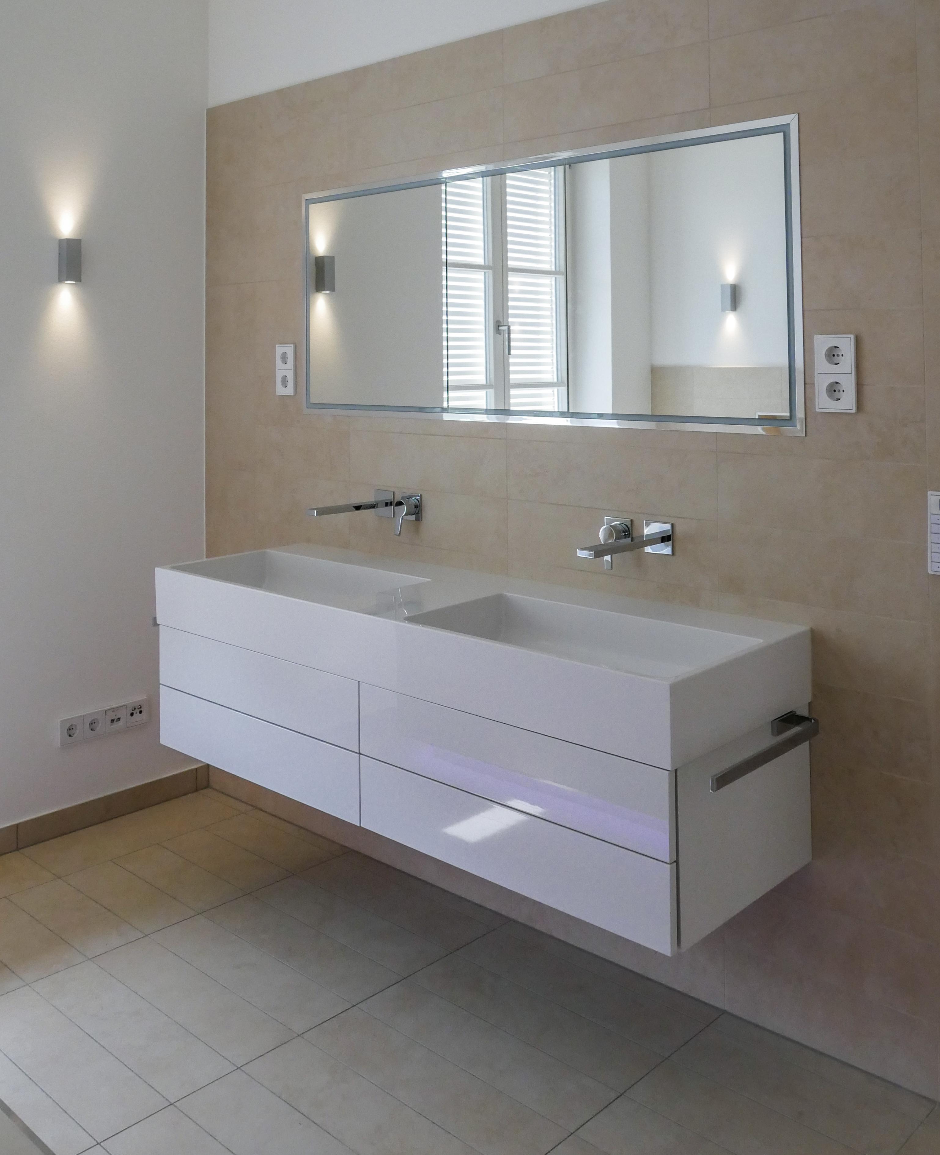 Waschrisch neu Badezimmer