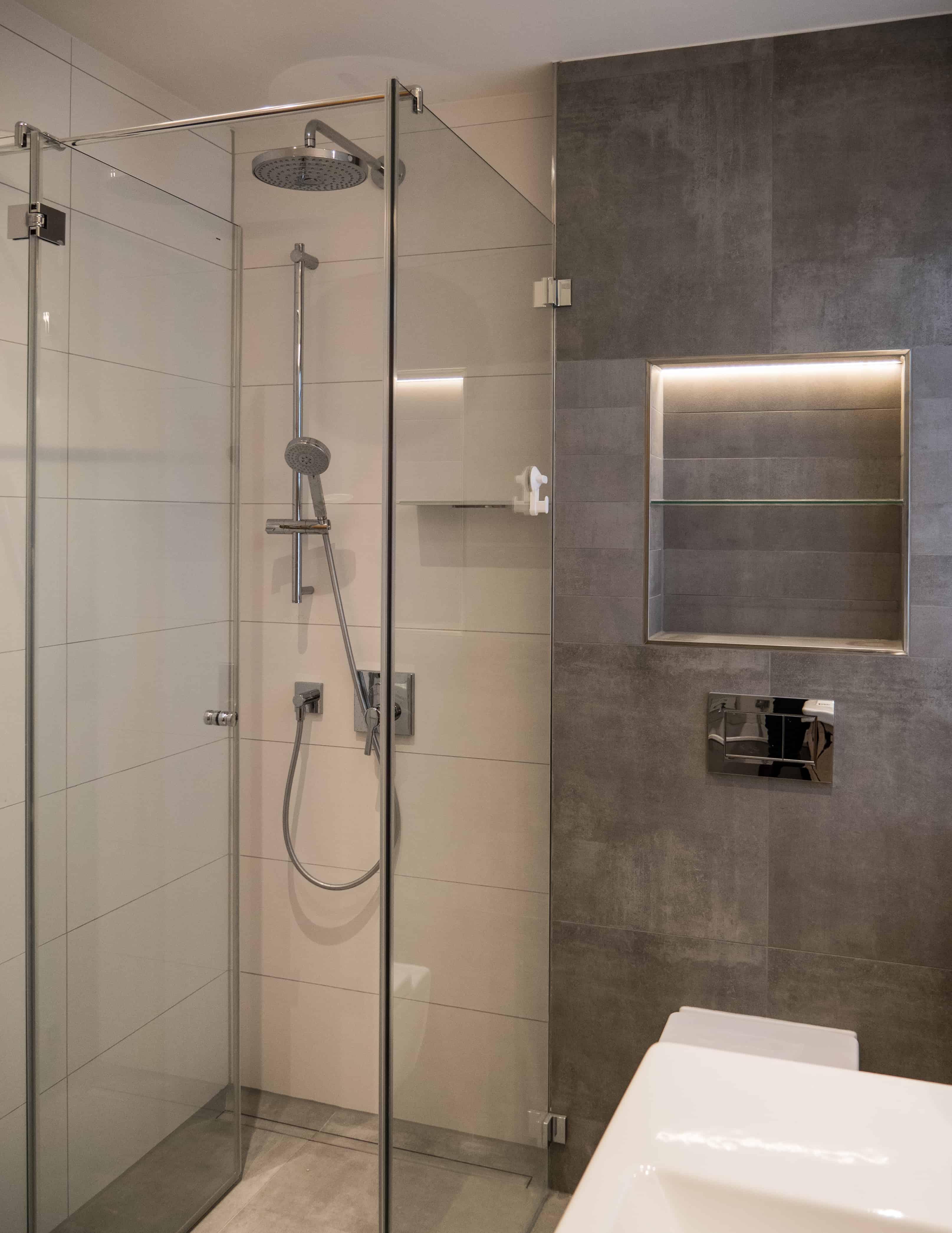 Bad 1 Dusche
