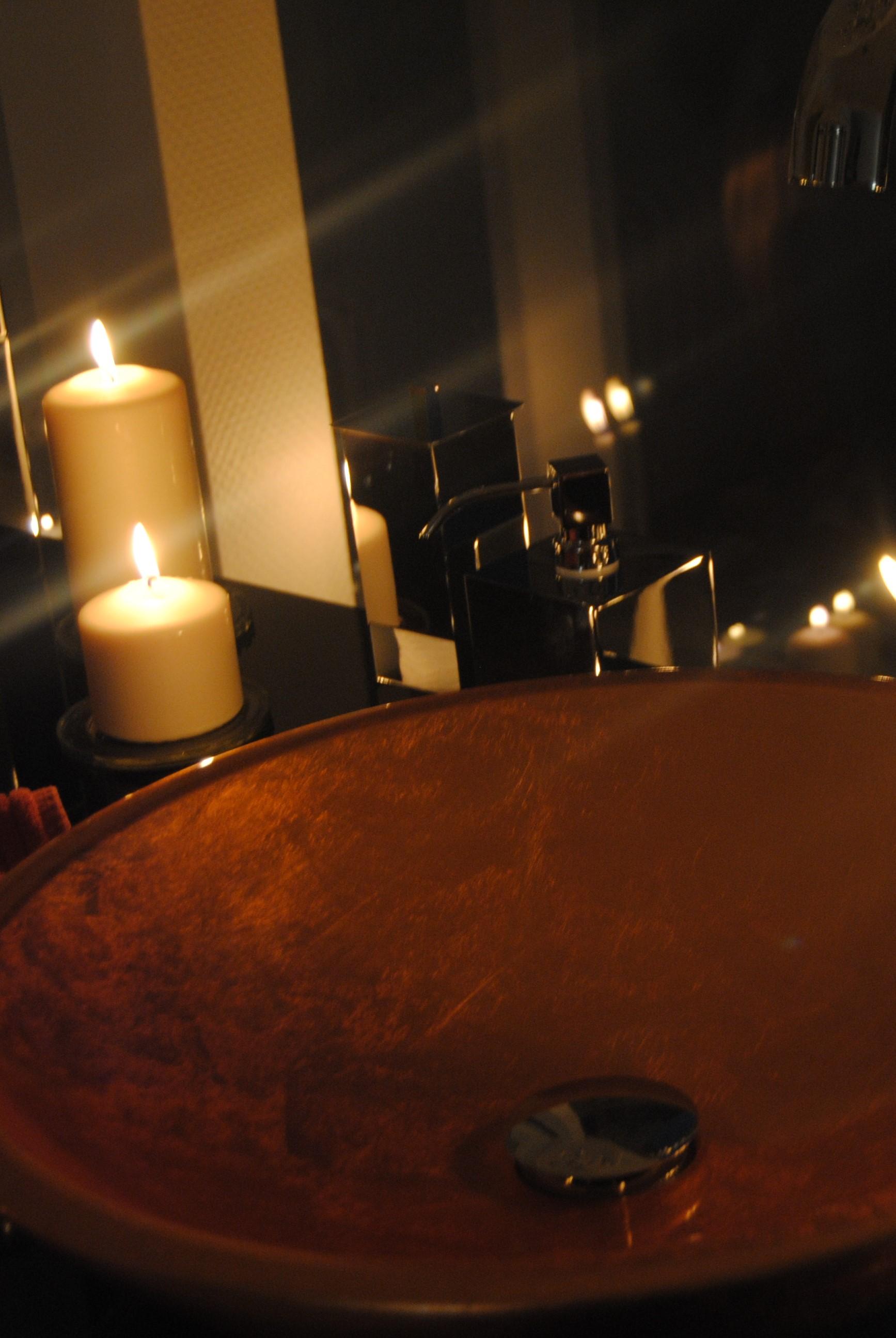 Luxusbad Waschtisch beleuchtet