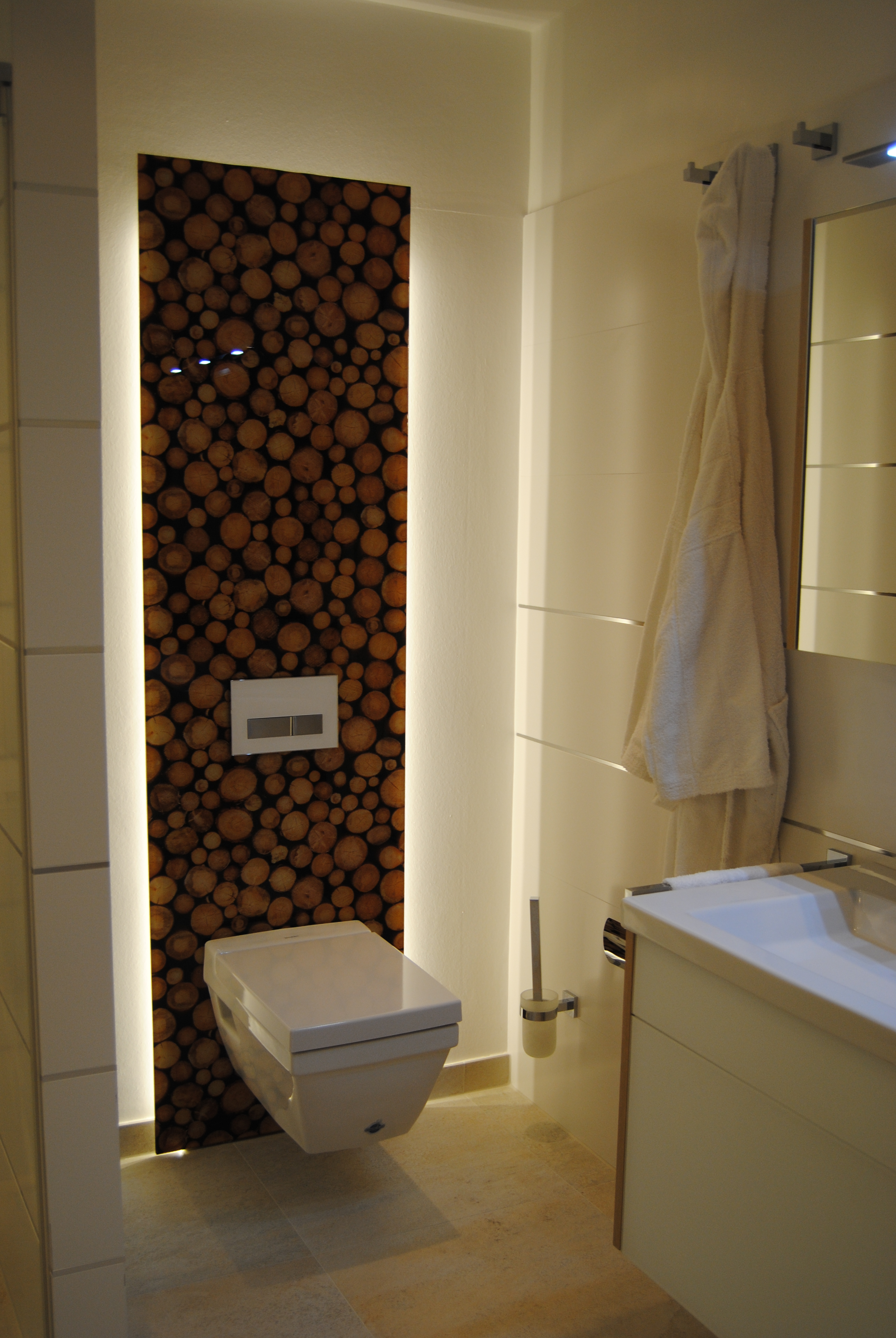 Luxusbad WC beleuchtet