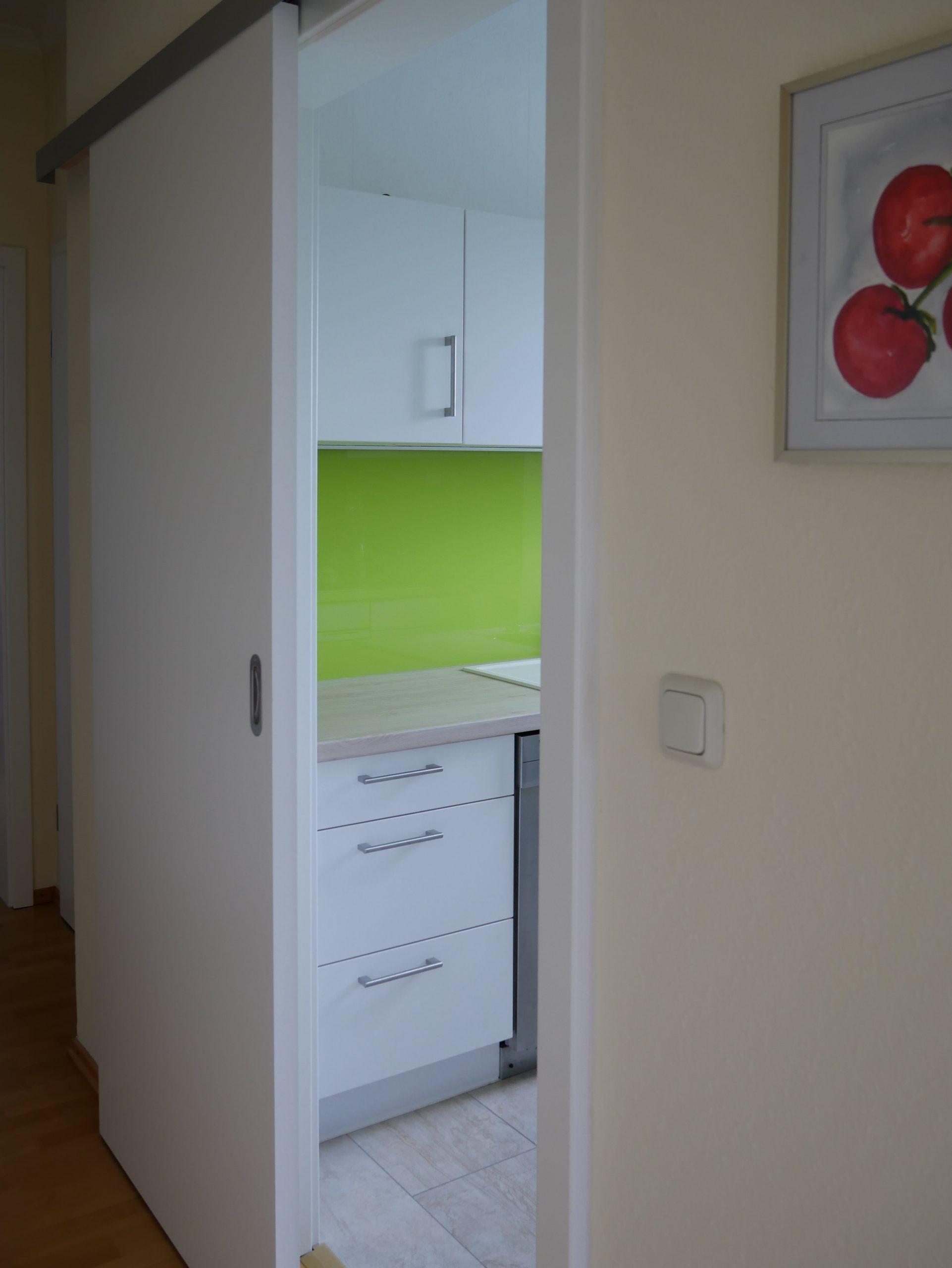 Küche mit Schiebetüre